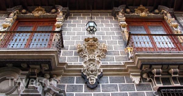 Украшение домов в Гранаде, Испания / Фото из Испании