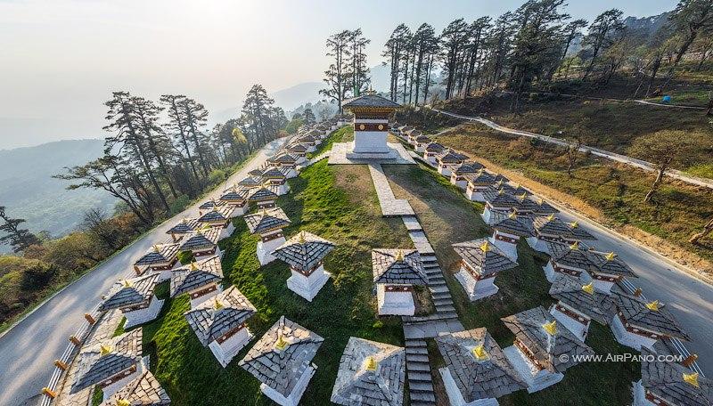 Чортены Друк Вангьял / Фото из Бутана