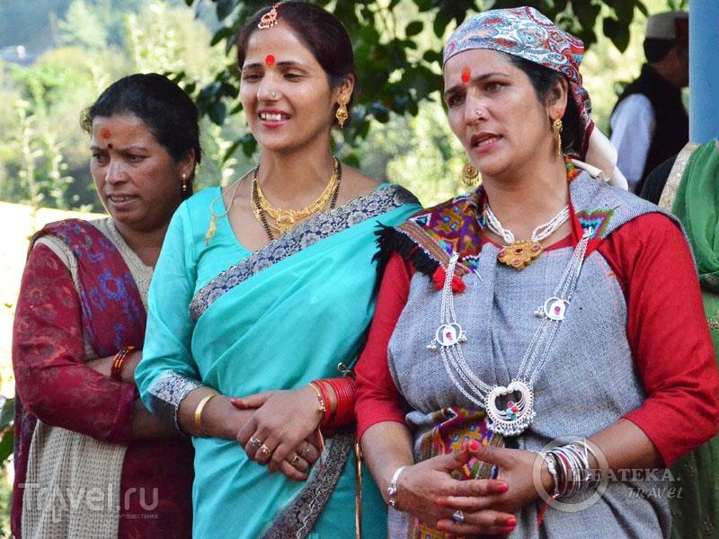 Теплая женская одежда в Гималаях / Фото из Индии