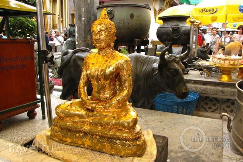 Статуя в храмовом комплексе у королевского дворца в Бангкоке / Фото из Таиланда