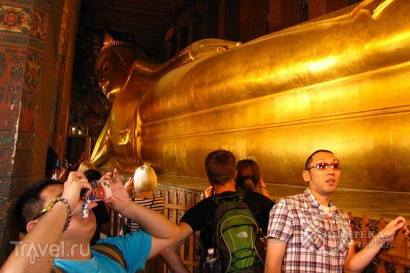 Статуя Лежащего Будды в Бангкоке / Фото из Таиланда
