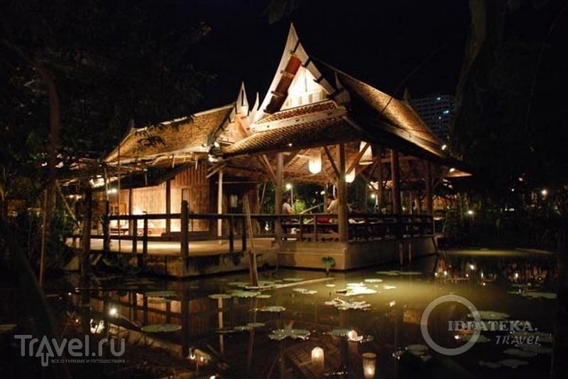 """""""Тайская деревня"""" на Siam Niramit в Бангкоке / Фото из Таиланда"""