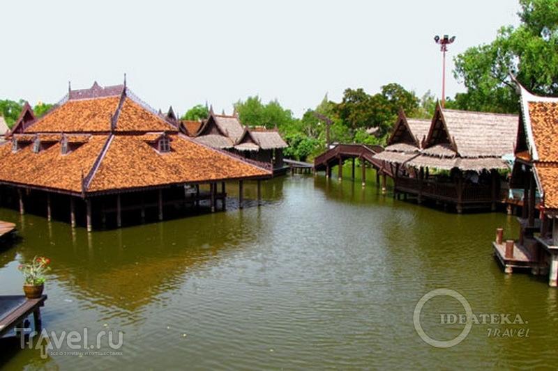 Деревня на воде в парке Мыанг-Боран, Таиланд / Фото из Таиланда