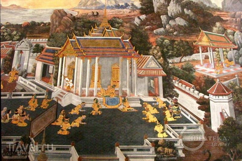 Фрески на стенах храмового комплекса у королевского дворца в Бангкоке / Фото из Таиланда