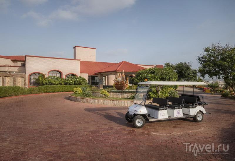 Территория отеля Regenta Resort / Индия