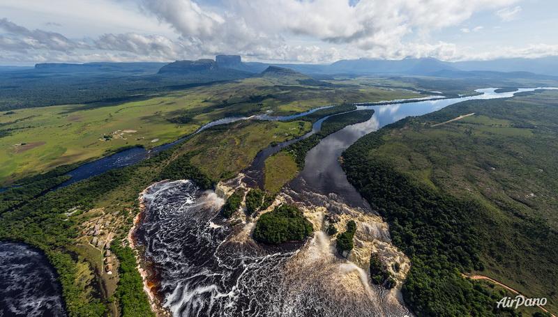 Лагуна Канайма с высоты / Фото из Венесуэлы
