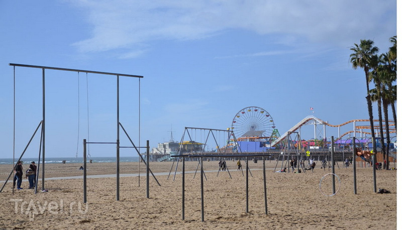 Спортивная площадка на пляже в Санта-Монике / Фото из США