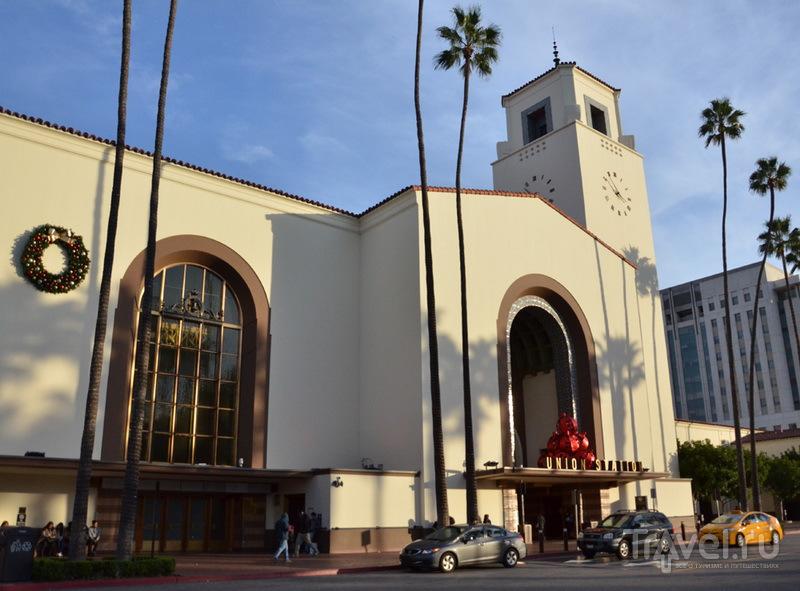 Железнодорожный и автовокзал Union Station в Лос-Анджелесе / США