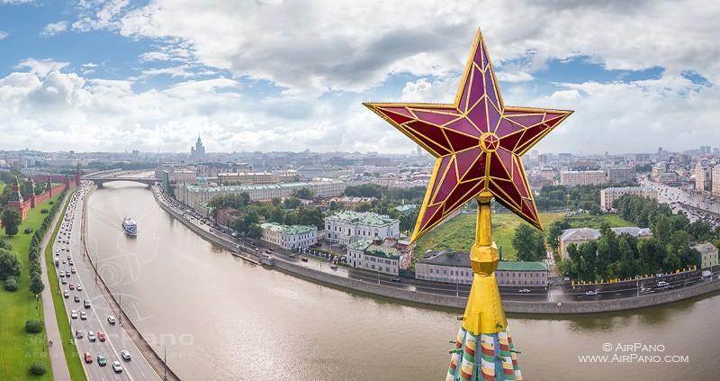 Московский Кремль с высоты птичьего полета / Фото из России