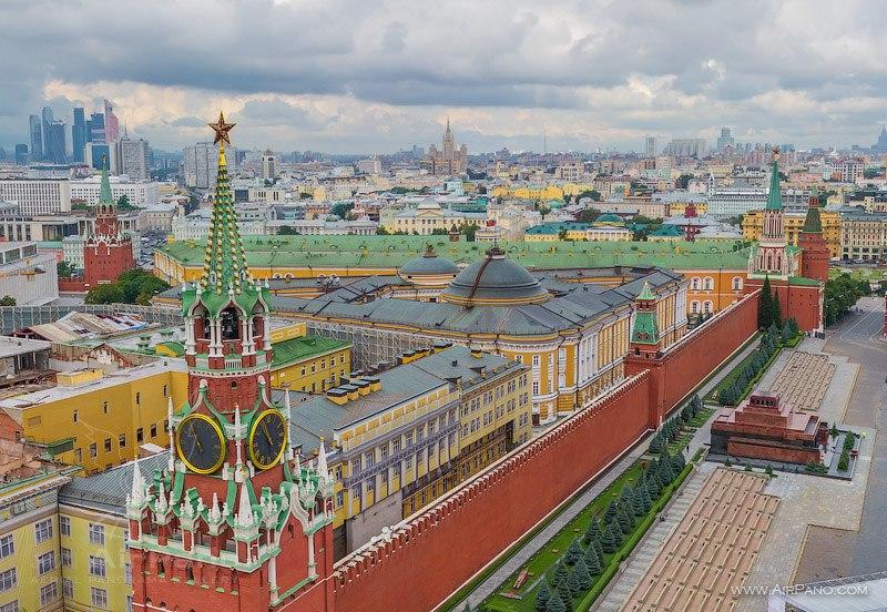 Спасская башня / Фото из России