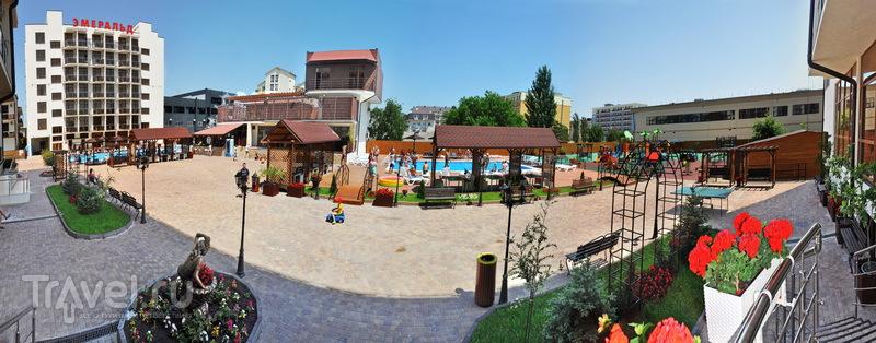 Отдых в Витязево в гостинице Эмеральд / Россия