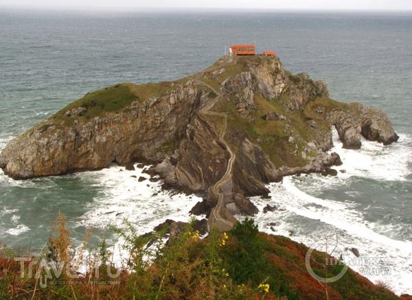 Остров в стране Басков в Испании / Фото из Испании