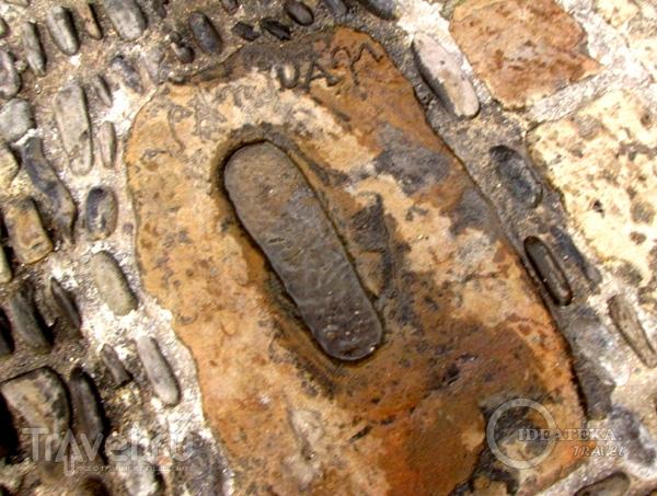 Отпечатки ног Иоанна Крестителя / Фото из Испании